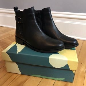 Earth Black Leather Booties